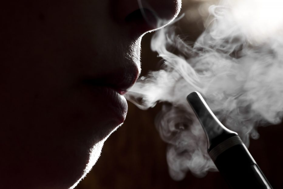 quit vaping and smoking with Allen Carr's Easyway