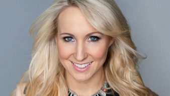 Nikki Glaser stops smoking and drinking with Allen Carr's Easyway